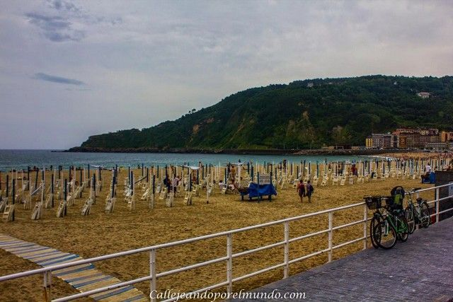 playa de zurriola san sebastian