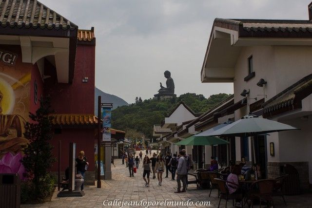 el gran buda de lantau desde Ngong Ping Village