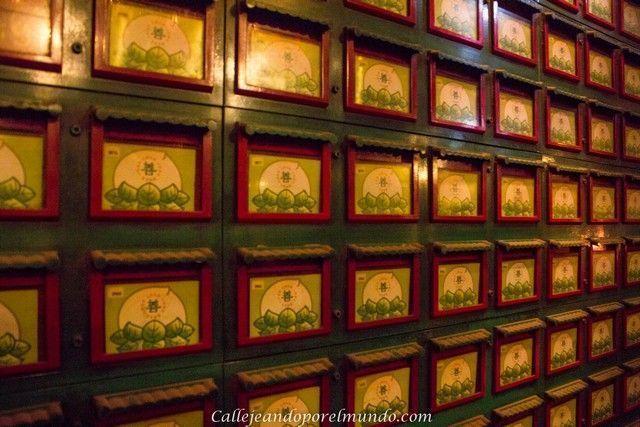 interior Man Mo Temple Hong Kong 2