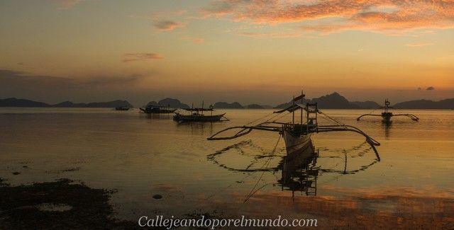 vista general playa de coron coron al atardecer el nido filipinas