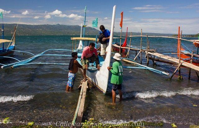 desembarcando en el volcan taal manila filipinas