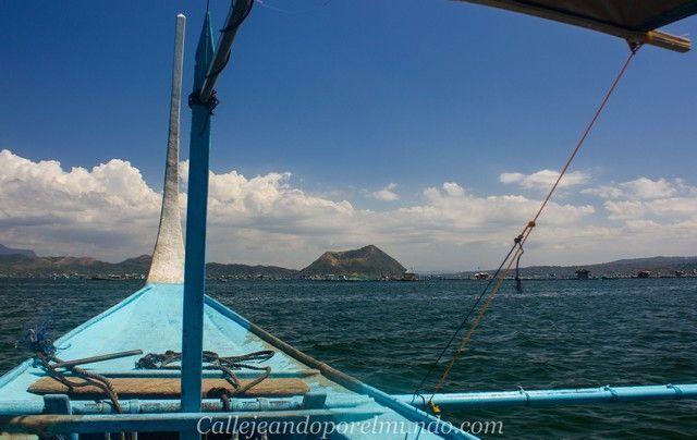 en barco al volcan taal filipinas manila