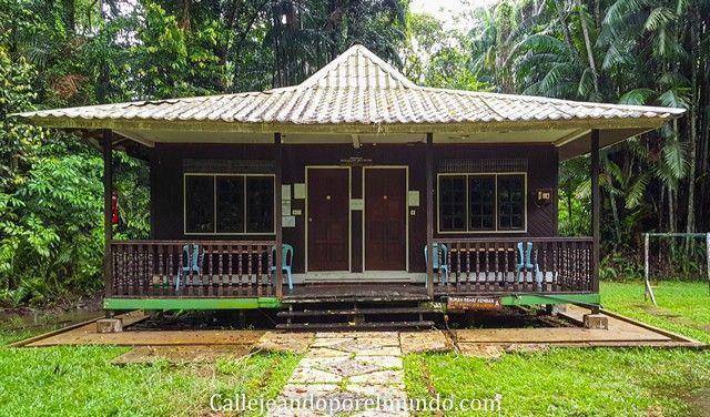 cabaña parque nacional bako borneo malasia