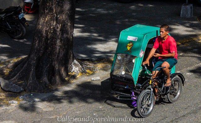 triciclo por las calles de manila filipinas 2