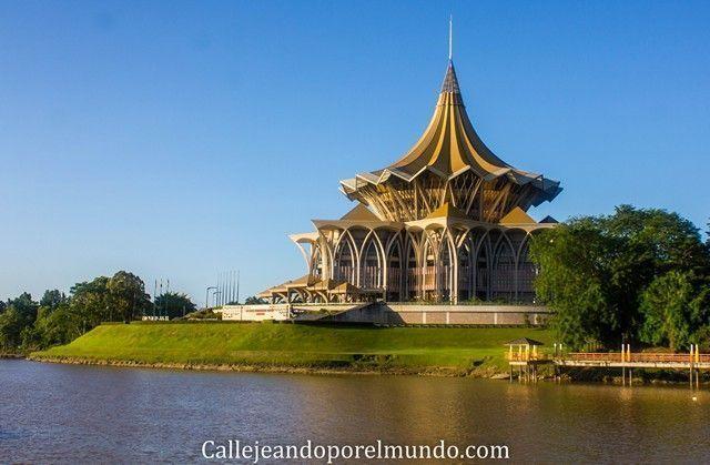 waterfront kuching malasia