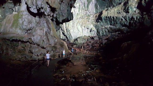 entrada deer cave gunung mulu borneo malasia