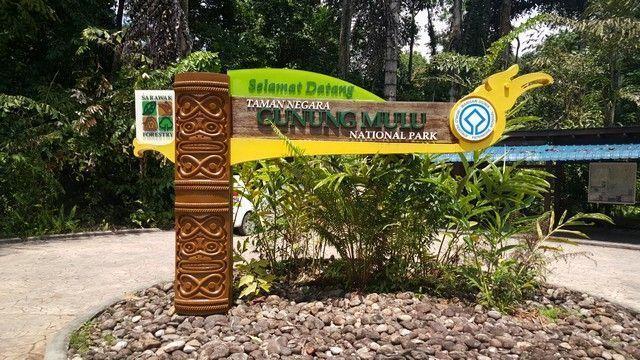 entrda gunung mulu national park borneo malasia
