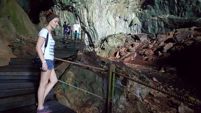 interior deer cave gunung mulu borneo malasia