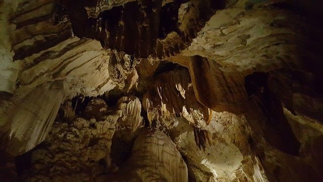 lang cave interior gunung mulu borneo malasia