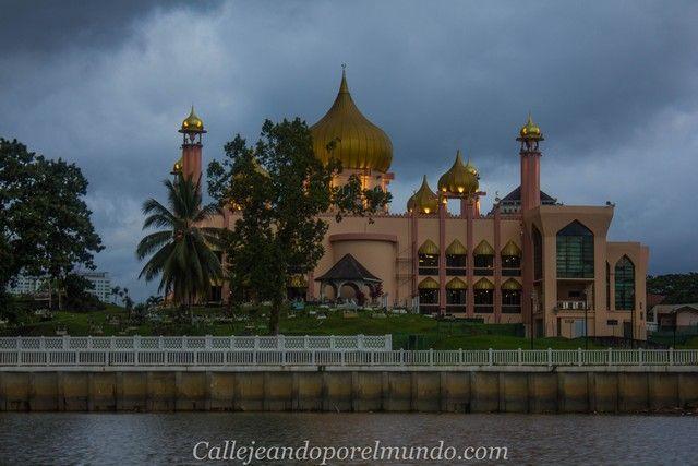 vistas desde el rio kuching borneo