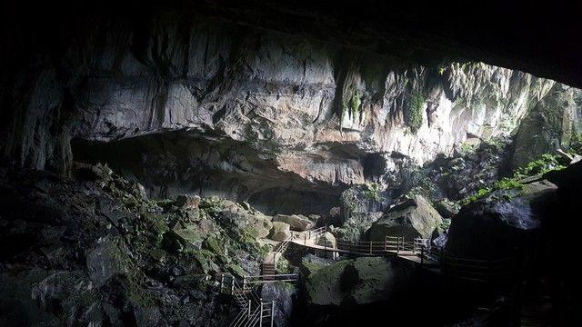 clearwater cave borneo malasia gunung mulu