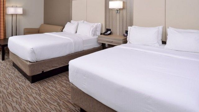 Holiday_Inn_Express_Suites_WILLIAMS-Williams