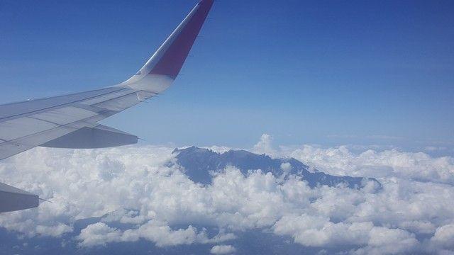 monte kinabalu desde el aire borneo malasia
