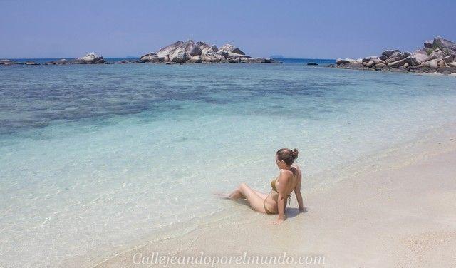 playa sur teluk kk beach perhentian besar
