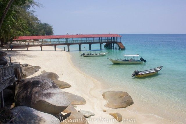 playa teluk kk beach perhentian besar