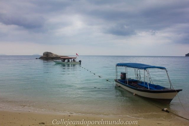 playa teluk kk perhentian besar