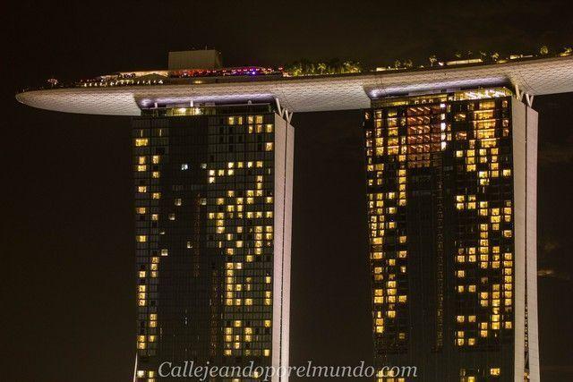 singapur-en-24-horas-marina-bay-sand-nocturna