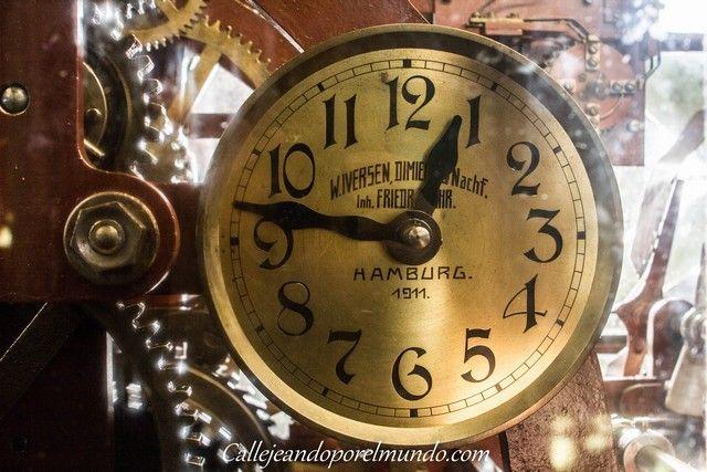 hamburgo-en-navidad-iglesia-de-san-miguel-reloj-de-la-torre