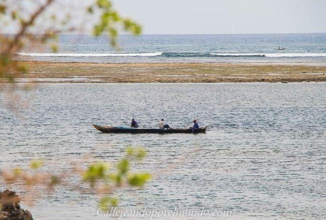 barca de pescadores the sands at chale island diani beach kenia