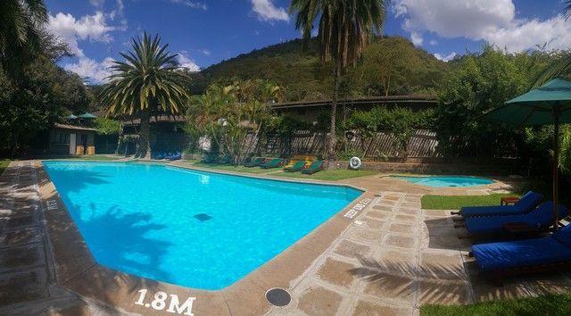 piscina sarova lion hill lago nakuru kenia