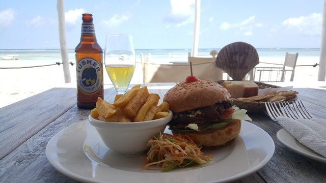 comida restaurante the sands at nomad diani beach