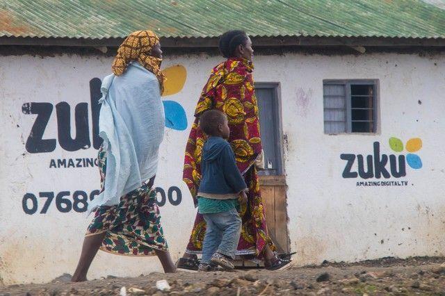 escenas cotidianas de tanzania camino a tarangire (3)