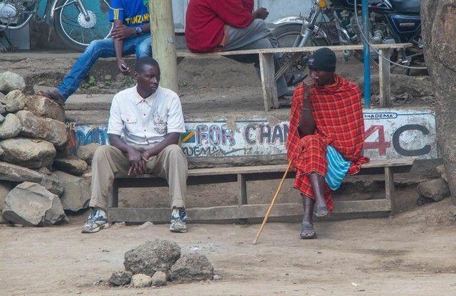 escenas cotidianas de tanzania camino a tarangire (5)