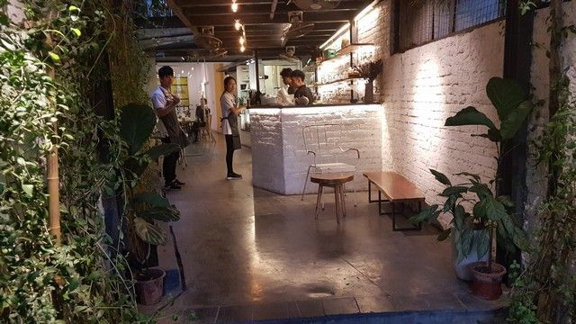 the rustic coffee shop hanoi (1)