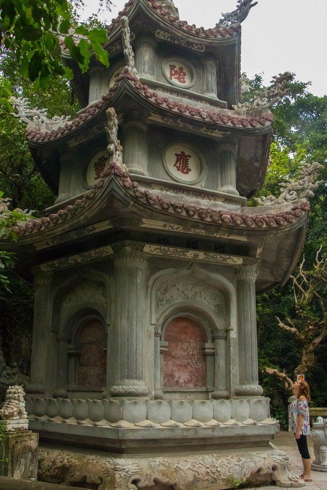 de hue a hoi an pasando por las montañas de marmol vietnam (5)