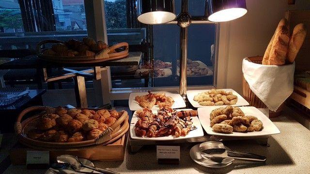desayuno en el alba spa hotel de hue (2)