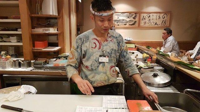 Sushitetsu comiendo sushi en kioto (1)