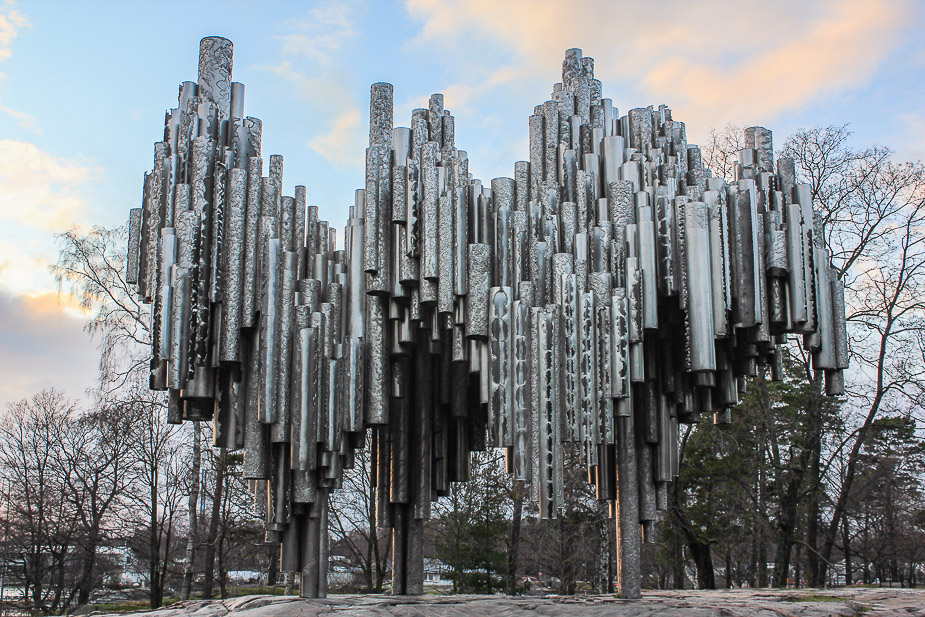monumento-a-sibelius-helsinki-en-navidad-1