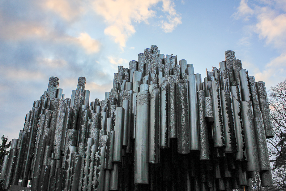 monumento-a-sibelius-helsinki-en-navidad-2