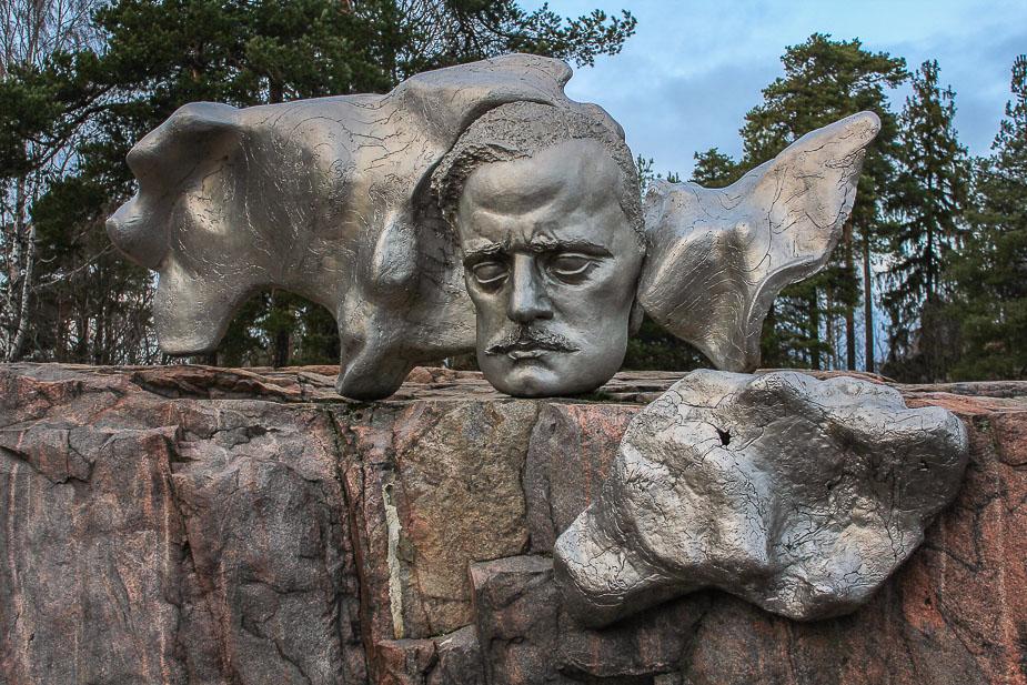 monumento-a-sibelius-helsinki-en-navidad-3