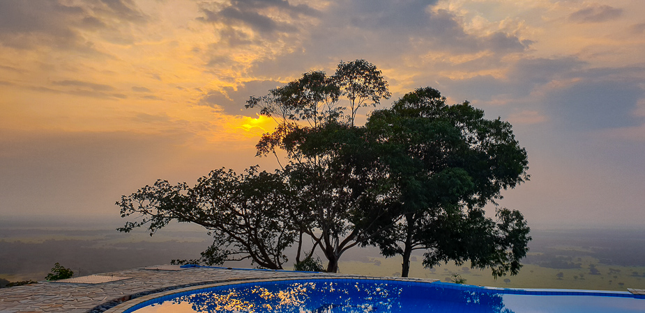 atardecer-uganda-enganzi-lodge-queen-elisabeth-national-park