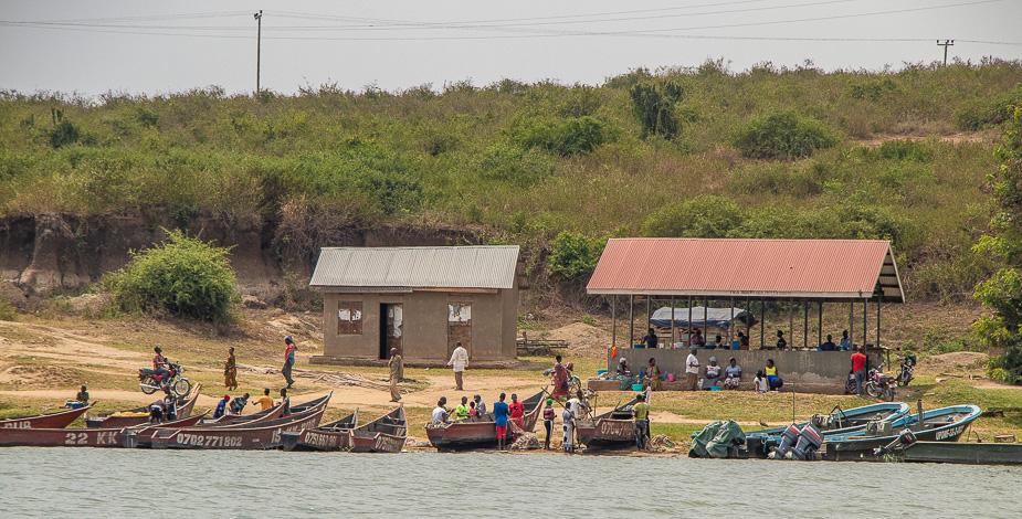 safari-en-barca-canal-de-kazinga-uganda-5