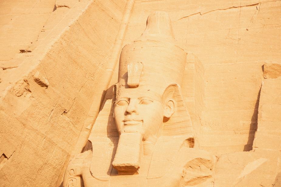 abu-simbel-templo-de-ramses-ii-y-nefertari-egipto-11