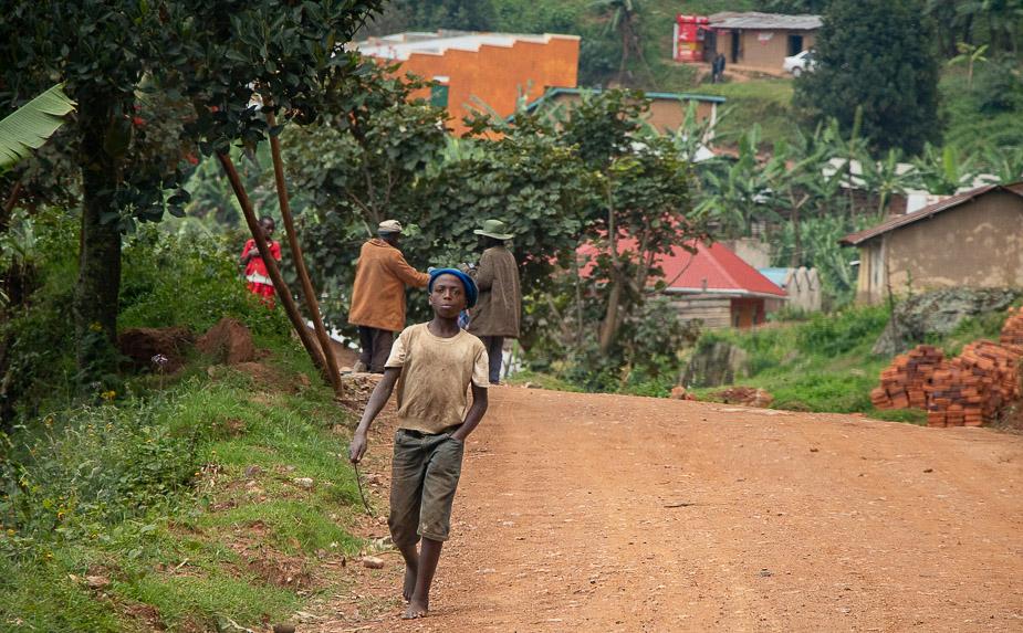 acceso-a-parque-nacional-bosque-impenetrable-bwindi-uganda-6
