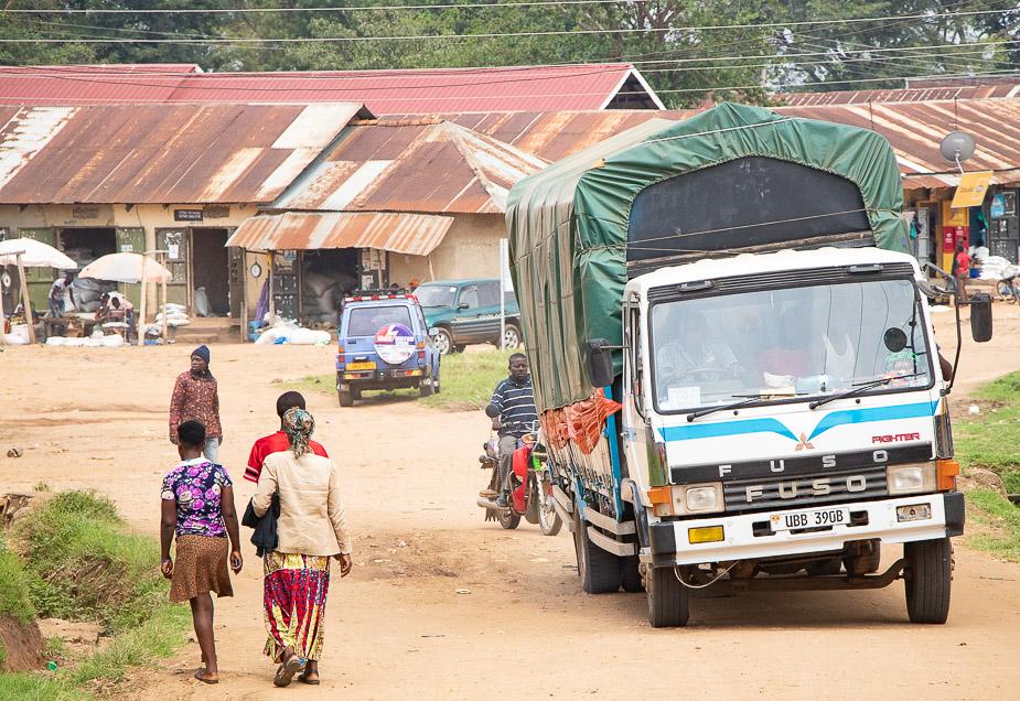kihihi-uganda-camino-a-bwindi-11