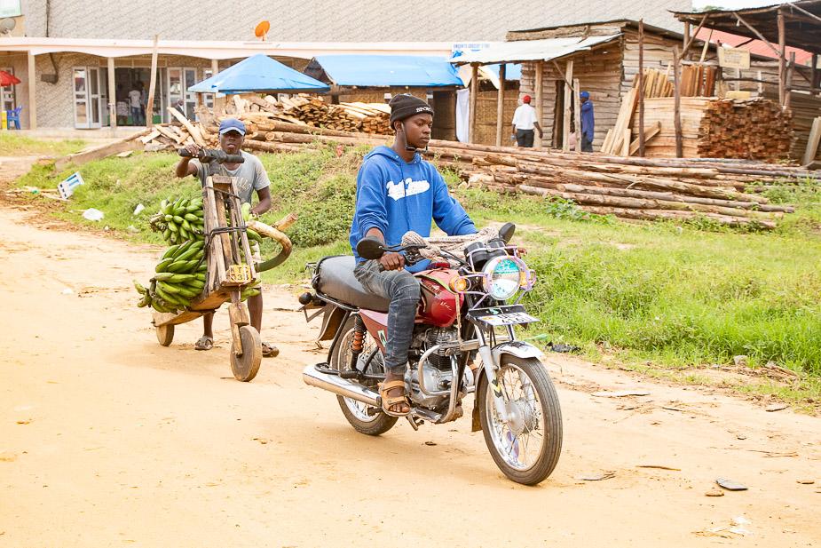 kihihi-uganda-camino-a-bwindi-15