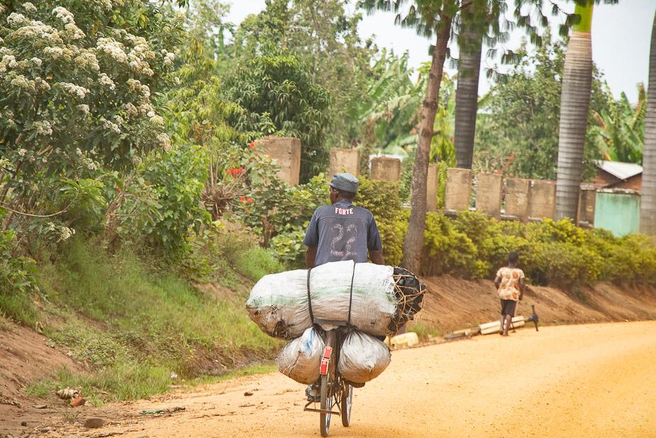 kihihi-uganda-camino-a-bwindi-2