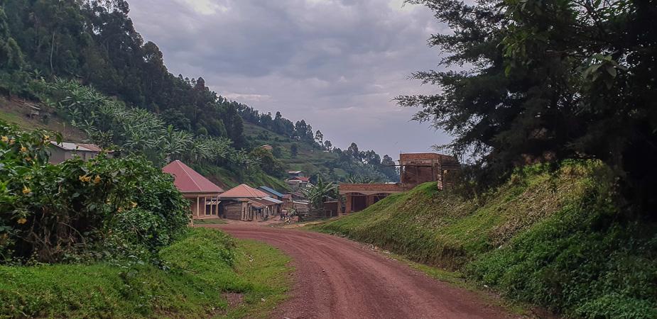 pueblo-del-bosque-impenetrable-bwindi-uganda-2