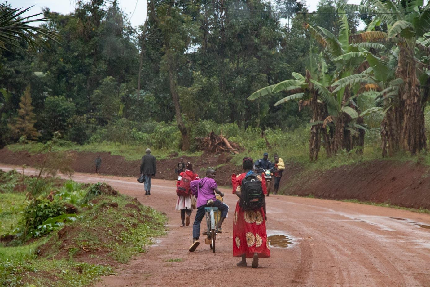 camino-a-entebbe-uganda-3