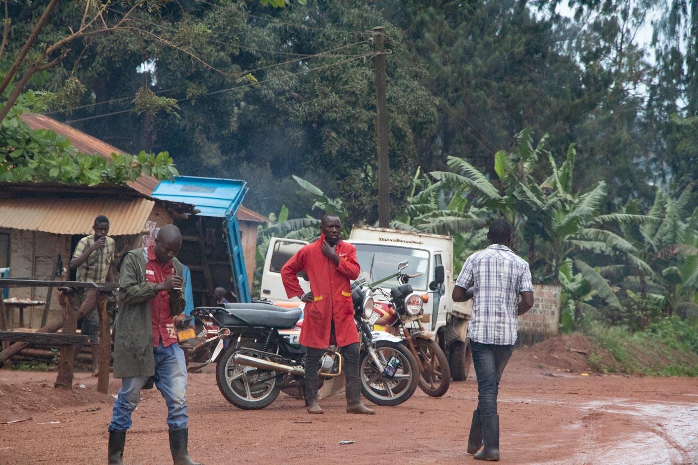 camino-a-entebbe-uganda-6