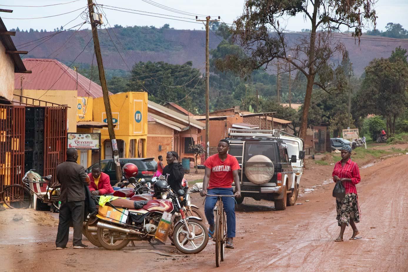 camino-a-entebbe-uganda-7