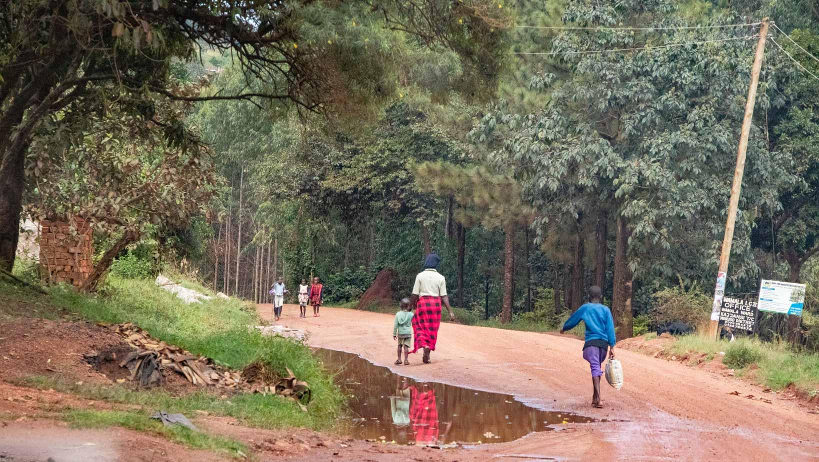 camino a entebbe uganda (9)