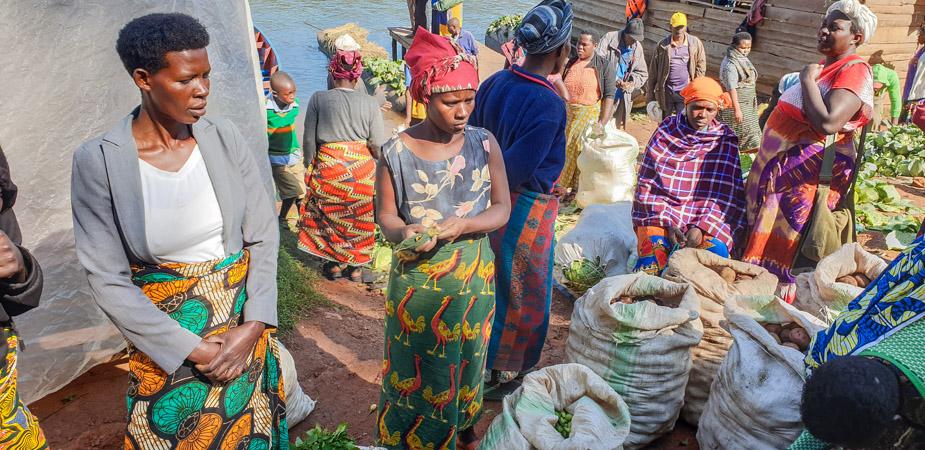 lago-bunyonyi-uganda-mercados-4