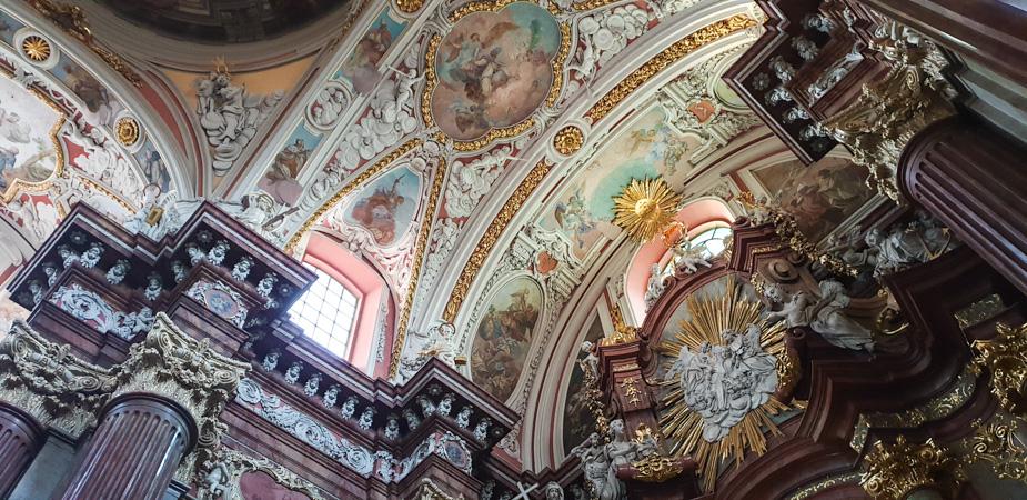 iglesia-de-san-estanislao-poznan-en-navidad-3